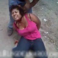【女 処刑】カルテル主催の女スピード斬首コンテストに参加して来たんだが・・・生きた状態で20秒ぐらいで首チョンパで想像以上 ※グロ動画