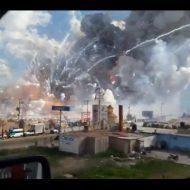 【速報】26人が死亡したメキシコ花火市場の爆発事故 戦争みたいになっとる・・・