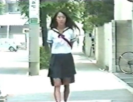 【無修正 JK】昭和くさいセーラー服女子校生をレ●プ!あれ?この女見覚えが…