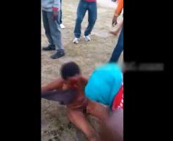 【裸 女】女ボコボコにするのん楽しいねんw土人国家で泥棒すると例え女でもブン殴られて流血させられる・・・