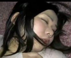 【無修正 レイプ】酔いつぶれて昏睡する女子大生っぽい子を犯した個人記録