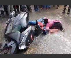 【グロ 動画】完全にくぱぁしてるやんけ!路上で寝ている女の子 頭カチ割れて脳チラして死んでるから漏らしそう・・・