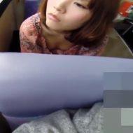 【エロ 動画】痴漢するならやっぱり路線バスに限る!胸チラ、パンチラ個人撮影映像ベスト版!!