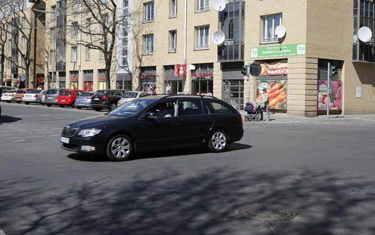 【戦争】WWⅡ末期のベルリン市内写真と現在の同じ場所で比較してみたw
