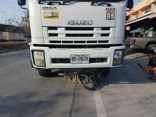 【グロ注意】いすゞのトラック~♪に生身の人間が轢かれるとミンチになる