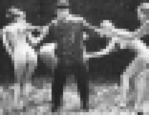 【エロ注意】総統wwwお戯れをwwヒトラーのエロ趣味写真発見されるwww