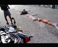 【JK 死体】バイク通学のピチピチ女子校生がトラックに轢かれバラバラになってる現場はこちら・・・ グロ動画