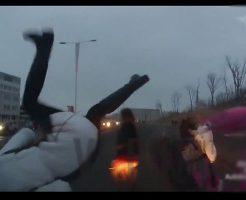 【衝撃映像】中学生の女の子達を次々跳ねて病院送りにしていくマン車ボーリング大会開催へw