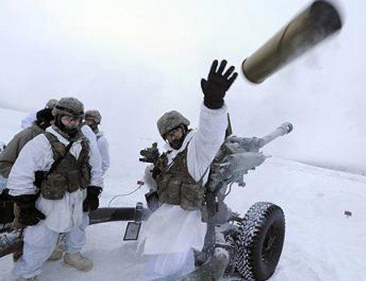 【衝撃映像】爆弾の正しい投げ方知ってるか?タイミング誤ると死ぬぞ!