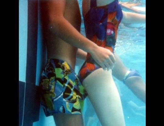 【エロ注意】性欲を持て余す。子供が市民プールに行った結果www少年、やめとけww ※動画