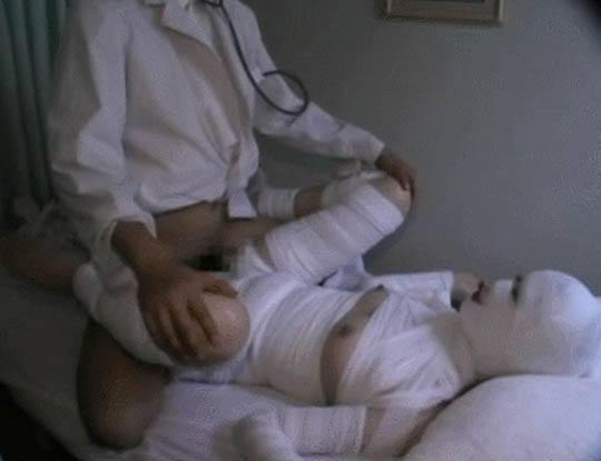 【マジキチ】包帯ぐるぐるの重症まんさん犯すとか異常過ぎんだろw