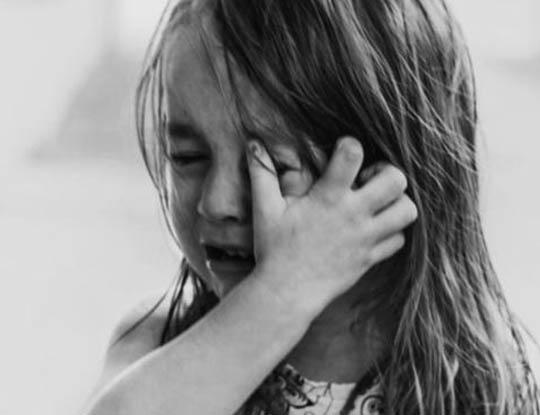 【性暴行】7歳の娘を6年間で956回もレイプしまっくった鬼畜父親に懲役17年 証拠がハメ撮り映像だった模様・・・