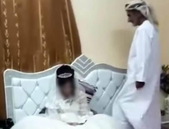 【12歳で初夜】まだ小学生の女の子と結婚してセックスを公開してる国があるらしい 尚夫は80歳のじじぃの模様・・・