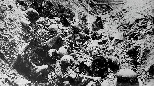 【グロ画像】第一次世界大戦のヨーロッパ激戦区の死体写真貼ってく ※閲覧注意