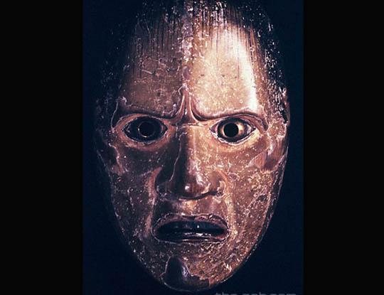 【グロ動画】人の顔面をペロンちょし頭蓋骨見て遊ぶお医者さん出現 これは完全にマスクですやんwww ※閲覧注意