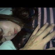 【昏睡レイプ】バーにおったJDの酒に睡眠薬入れて眠らせたったw介抱するついでにホテル連れん込み身体測定してやったwww※無修正エロ動画