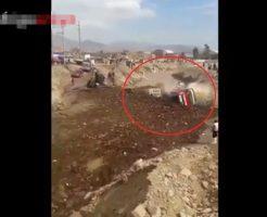 【衝撃映像】こんなん来たらもう絶対無理ですやん ペルーの大洪水で軽々流されていくバスや人達の姿が怖すぎる・・・※閲覧注意