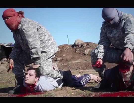 【イスラム国】日本車から降りてきたisisさんに首ザクザクされながらうめき声を上げる人がトラウマ過ぎてなんか漏れそう・・・ ※グロ動画
