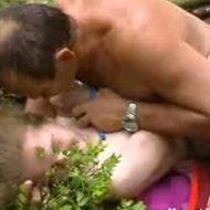 【本物近親相姦】性欲を持て余すパパさんチンコが10代娘のマンコに野外で強制侵入する異常事態が起こった模様w ※無修正レイプ動画