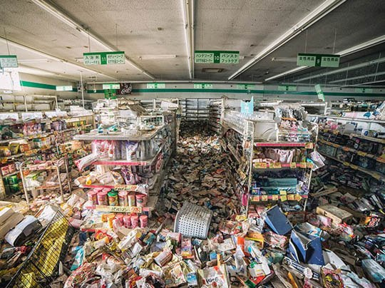 【福島】今から東北大震災で廃墟になったコンビニやらお店に寄ってきた時の写真をうpする ※画像あり