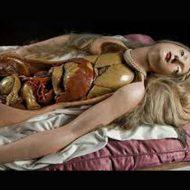 【解剖動画】デカ乳女子大生の死体手に入れたから今からくぱぁ~して検査してみる ※無修正