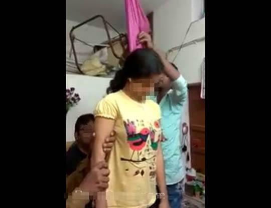 【グロ動画】首吊り自殺した女の子を下ろした結果→カッチコッチに固まっててマネキンになってしまった模様・・・※閲覧注意