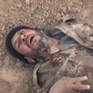 【イスラム国】法律なんか関係無しのガチ戦場風景!isisさん虫の息の兵士に対しての死体蹴りが怖すぎwww ※グロ動画