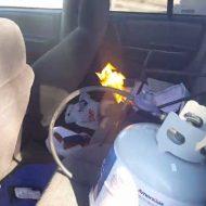 【バカの壁】車にヒーター付いてないからってガスバーナーを車内で使うとかバカかな??? ※おもしろ映像
