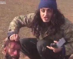 【イスラム国】パリピなisis兵さん「1Killイエーイ」→生首をころころして楽しんでる様子が理解できなくて怖Eー ※グロ動画