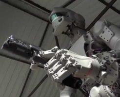 【近未来戦争】ロシアで開発中の軍事ロボットテスト映像が完全にターミネーターの世界にしか見えない件 ここからスカイネットが反乱を起こすんですねw ※おもしろ動画