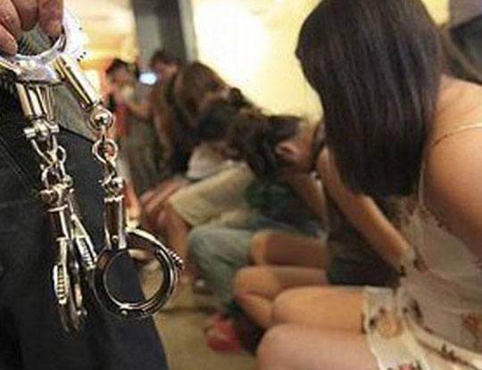 【衝撃映像】人身売買の為に幼女を誘拐しようとした女の末路はこちらです・・・ ※閲覧注意