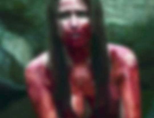 【閲覧注意】拉致された女の子2人が山の中でヤバい事されてる映像が流出 さぁシュチエーションは揃ったw ※動画有り