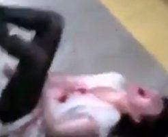 【怖すぎ】血吐いて喚き散らかしてる女の子が走って追いかけてきたら救急車も全力で轢き殺すレベル