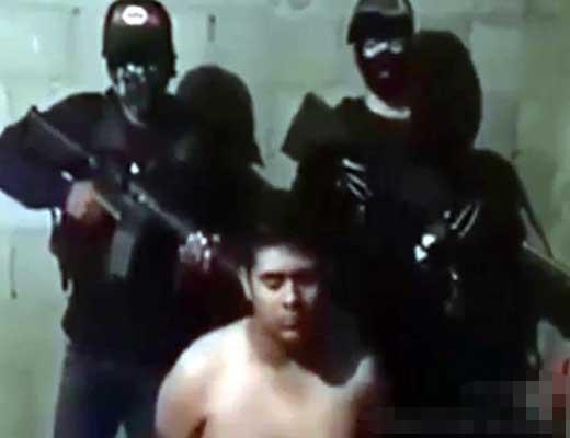 【拷問処刑】お薬カルテルさんに捕まった同業者さんをキレ味悪いナイフで斬首する映像 こうやって薬物売買を独占してやってるんですねw ※グロ動画