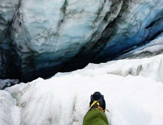 【衝撃映像】スキーしてる最中に深さ60フィートのクレバスに落ちてしまった時の絶望感はマジ半端なかった件 ※GoPro映像