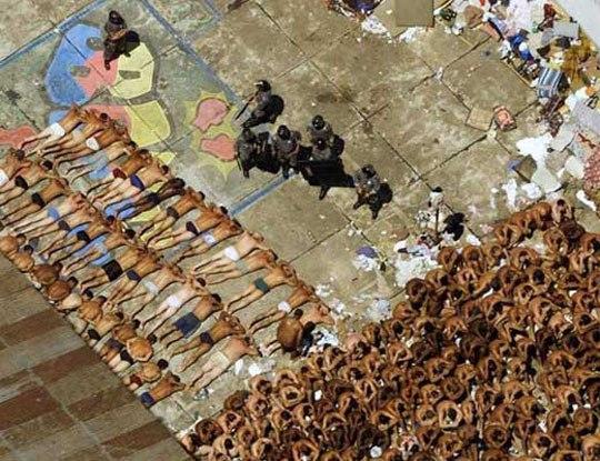 【閲覧注意】ブラジル刑務所とかいう今一番行ってはいけない場所に潜入したら人を解体してた件w  ※グロ動画
