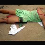 【女 死体】トラックに乗られた女の子 マンコから内臓を出産して御臨終の模様・・・ ※グロ画像
