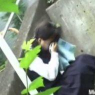 【ガチレイプ】日本のJKさんが帰宅途中に男の集団に襲われて処女奪われて泣いてるんやが・・・ ※エロ動画
