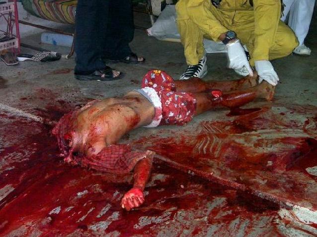 【斬首 死体】例え9歳の子供でも気に食わなかったら首チョンパして晒し上げるのがイスラム過激派の流儀・・・ ※グロ画像