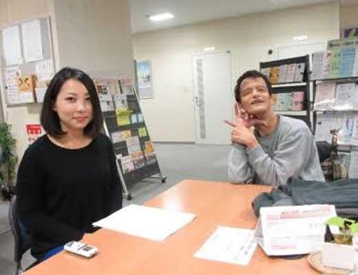 【性処理】知的障害さんのチンコに手コキ看護をする団体の女性メンバーの御尊顔がコレwww うらやまけしからんわ ※衝撃画像
