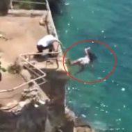 【女 自殺】もぅマヂ無理飛び降り自殺しょ・・・ 30メートルの高さの崖から飛び降りたJDさんがこちら ※衝撃映像
