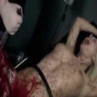 【女 グロ】拉致って拘束した全裸マンさんの体を切り刻んで血祭りにあげる動画抜ける奴はちょっと来てくれw ※無修正エログロ動画