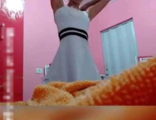 【本物盗撮】お着替え中のマンさん 隠しカメラの存在を知らず無事全裸を撮影された模様w ※無修正エロ動画