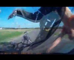 【事故映像】車載カメラで撮られた事故映像 撮影した側の車100km/h出しながらが人跳ねるとか怖すぎだろw ※衝撃動画