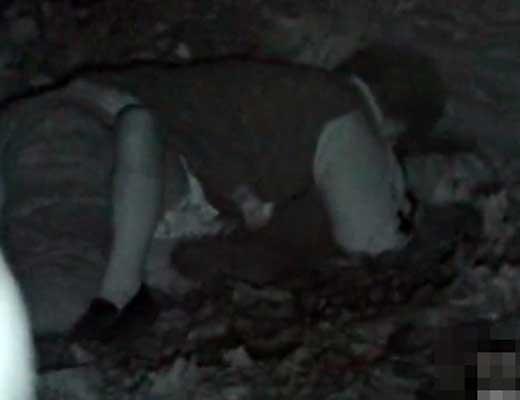 【レイプ盗撮】日本のJKさんが強姦されてる最中に暗視カメラで撮られた映像がこれ・・・ ※グロマップ