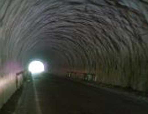 三戸トンネル風景写真