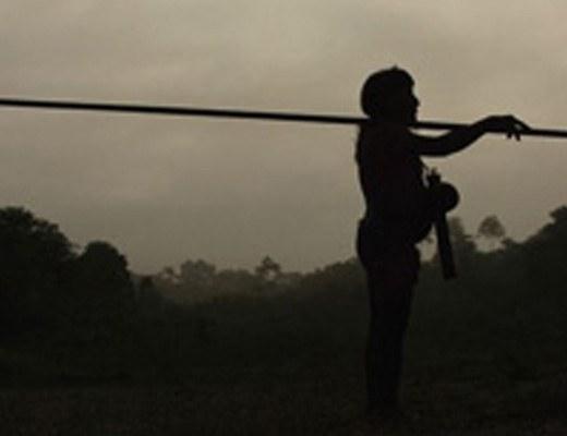 【閲覧注意】~エクアドル先住民族同士の紛争~女性でも容赦なし!槍で串刺しにして殺される