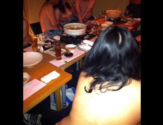 【公然猥褻】色々やり過ぎてお店から出禁になったヤリサーの飲み会をご覧くださいwww ※エロ画像