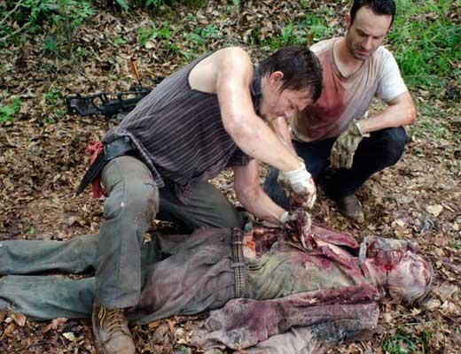 【解体映像】いくら死体だからって腕チョキー投石 拳銃でトドメ刺すとかもうオーバーキルっていうレベルじゃあねーぞ ※グロ動画