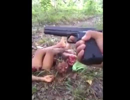 【バラバラ死体】パリピさん「これ見ろウェーイ!!!」→頭手足を解体したばかり死体見て笑ってるんやが・・・ ※グロ動画